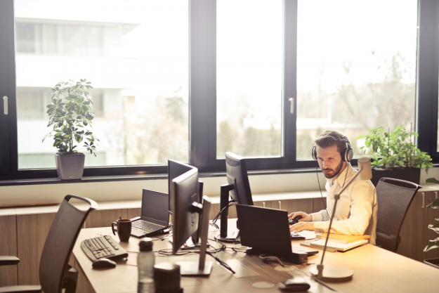 Key Benefits of a Virtual Receptionist for your Business Website