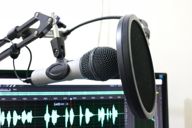 The Top 4 Reasons You Should Be Thinking About Podcasting