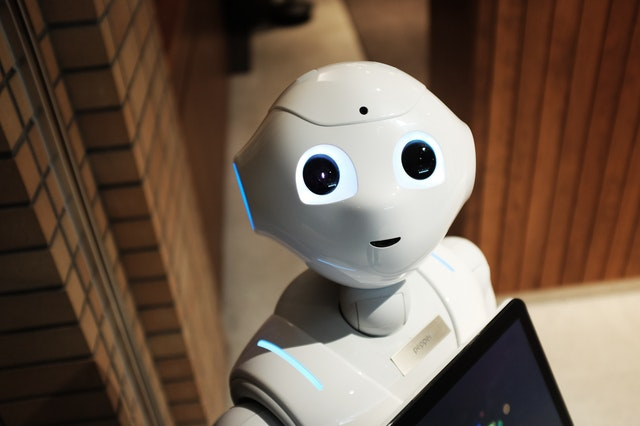 7 Beneficial Ways Your Business Can Use AI