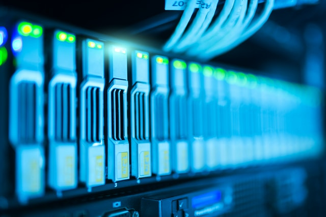 What to Move When Decommissioning a Data Center
